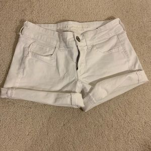 American eagle mid length short white